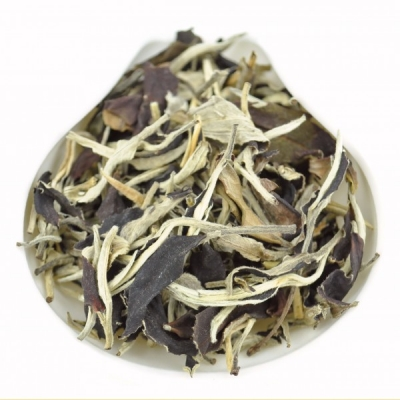Yunnan Yue Guang Bai Air-Dried White tea * Autumn 2015